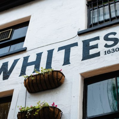 Whites Tavern and The Oyster Rooms Logo