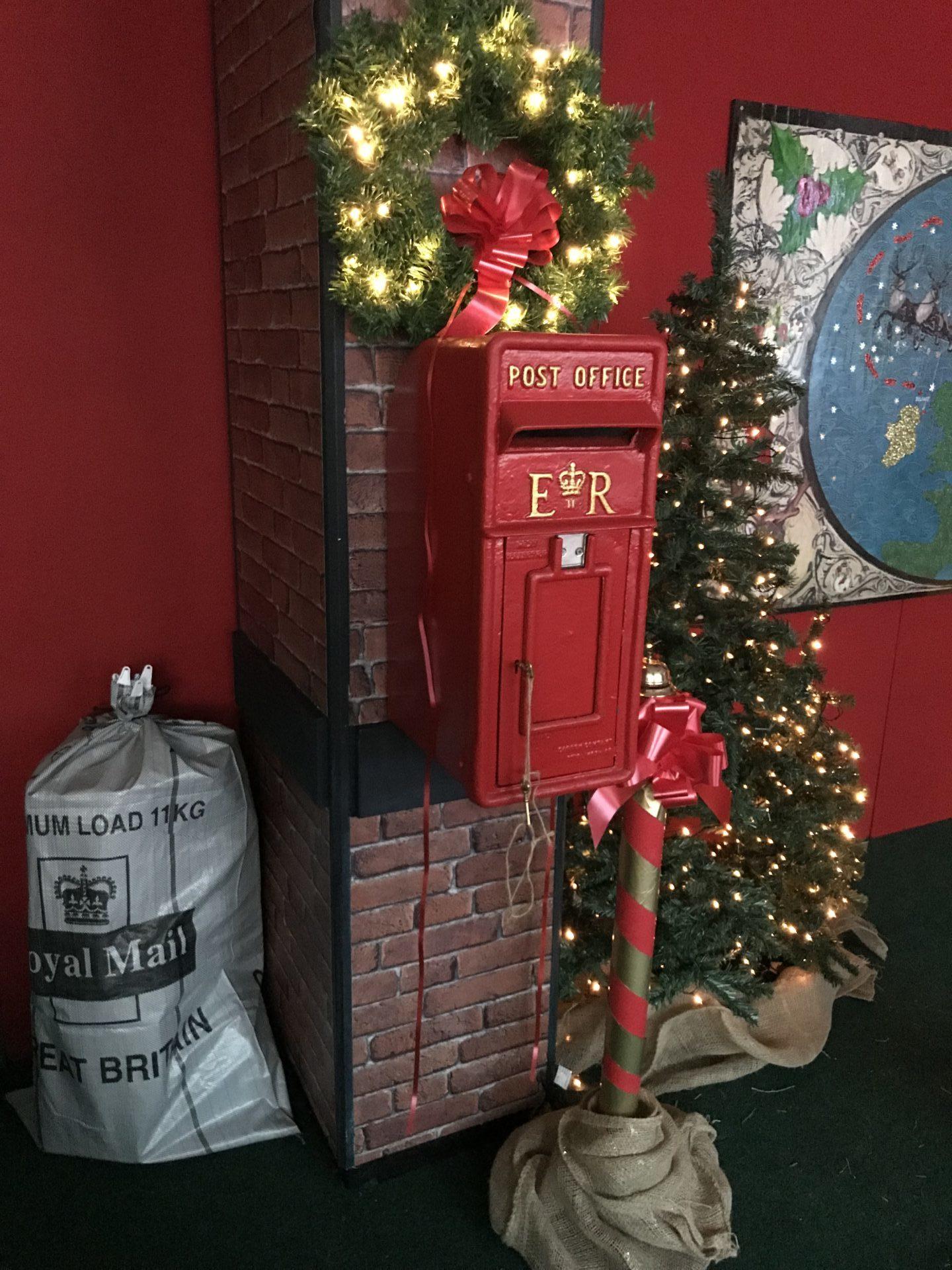 Does Usps Run On Christmas Eve.Santa S Belfast Post Office Belfast One