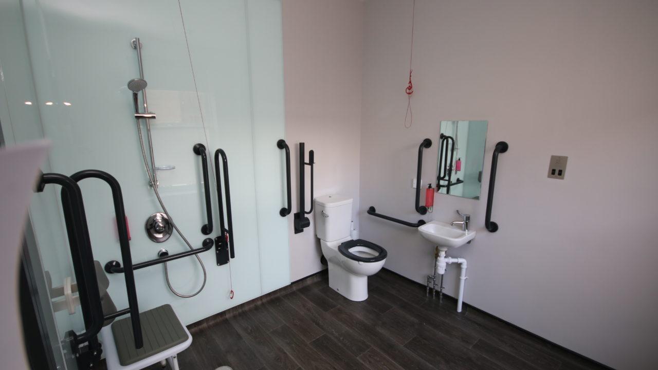 Belfast 11   Accessible Triple Shower Room 1   Dec 2018